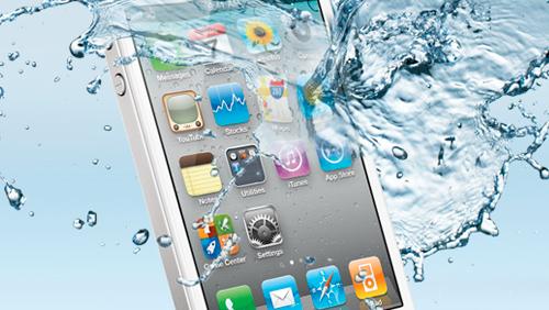 Come Asciugare un iPhone Caduto in Acqua: 11 Passaggi